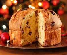 Traditional Italian Panettone (Christmas Bread) | Enjoy this authentic Italian recipe from our kitchen to yours. Buon Appetito!
