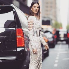 Pin for Later: Alessandra Ambrosio Shows She Is the Queen of the Balmain Army at the Met Gala New Fashion, Fashion Models, Fashion Beauty, Celebrities Fashion, Fashion Trends, Balmain Dress, Alessandra Ambrosio, Designer Gowns, Hot Outfits