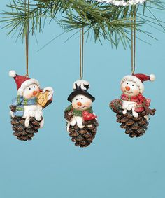 Deck the tree with these handmade-inspired ornaments that capture a festive feel.