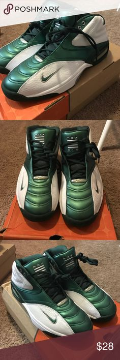 Nike MENS12 AIR TM TRADITIONAL, white, green, new Nike MENS12 AIR TM TRADITIONAL, white, green, new CLOSET FULL OF PERFECT GIFTS🎁. RECEIVE 20% OFF when you BUNDLE 2 or more items.  MY CLOSET includes Brand new vans, Nike, asics, Mostly NEW ITEMS some USED🎄WILL SHIP NEXT DAY. Nike Shoes Athletic Shoes