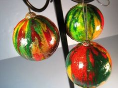 Twice Melted Christmas Ornaments ~ Featuring Miriam Joy   Using Crayons and Gourds to make these beautiful ornaments.  Fast and fun.