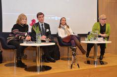 Paneelikeskustelussa Irja Seurujärvi-Kari, neuvotteleva virkamies Tuomas Kuokkanen ympäristöministeriöstä, Leena Heinämäki ja europarlamentaarikko Sirpa Pietikäinen.