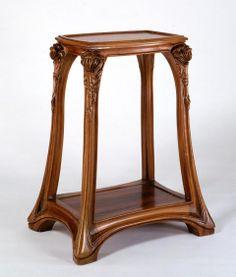 ** Louis Majorelle (France 1859–1926), Nancy, table, Mahogany.