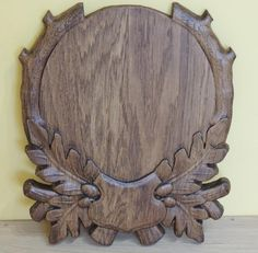 This shield will be very good for antlers. Itll be a very beautiful decoration for any house and itll remind your about hunt. Woodworking Techniques, Diy Woodworking, Wood Projects, Projects To Try, Paper Quilling For Beginners, Wall Hanging Designs, Deer Mounts, Wood Carving Patterns, Wooden Puzzles