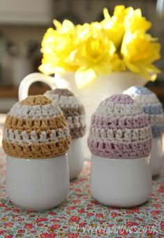 Crochet Pattern - Egg Cosy via lulu loves blog ( links to free pattern UK crochet terms)