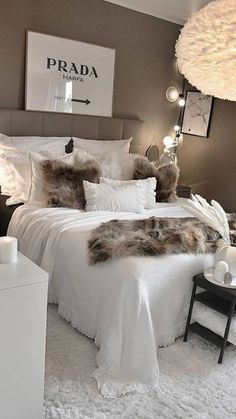 Best 27 Room Decor Bedroom Design Ideas For Your Inspiration Room Decor Bedroom, Bedroom Decor, Girl Bedroom Designs, Stylish Bedroom, Room Ideas Bedroom, Bedroom Interior, Cozy Room, Room Inspiration Bedroom, Luxurious Bedrooms
