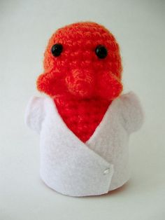 i want to learn how to knit just so i can make this Zoidberg so cute