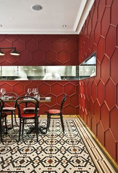 Red Truth: Le Vrai Brasserie and Boulangerie in Milan by Karine Lewkowicz Photo © Le Vrai.