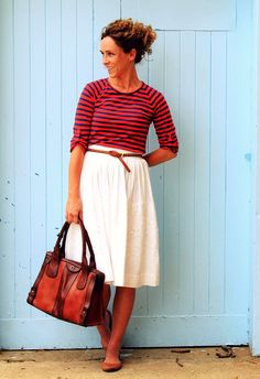 Sometimes it is hard to match leathers. A two tone bag makes it easy. A fresh, comfortable, better than casual look.