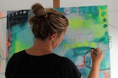 Mette lindberg maler et maleri på bestilling præcis efter dine ønsker til farver og størrelser. Abstrakte og malerier i moderne stil.