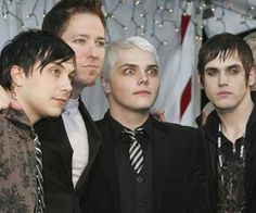 I wonder wut is in the distance that shocks Gerard so much but the rest of them r still just.... serious