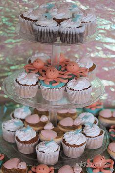 Festa Fundo do Mar - cupcakes decorados / Under the Sea birthday party cupcakes