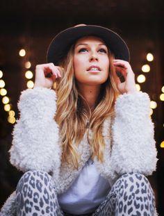 #details #hat #furryjacket #animalprint #moda #fashion