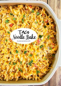 Taco Noodle Bake - SO good! Egg noodles, taco meat, cheese, diced tomatoes and green chiles, cheddar cheese soup and sour cream. Everyone cleaned their plate and asked for seconds! Makes a great freezer meal too! LOVE this easy Mexican casserole! Gourmet Recipes, Mexican Food Recipes, Cooking Recipes, Comfort Food Recipes, Crowd Recipes, Kraft Recipes, Fudge Recipes, Pizza Recipes, Yummy Recipes