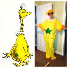 Star bellied Sneetch Teacher costume Book Character Costumes, Book Characters, Teacher Costumes, Halloween Costumes, Library Bulletin Boards, Dr Suess, Book Week, March Madness, Mask Ideas
