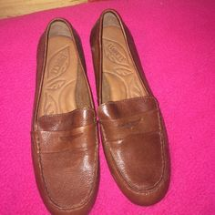 Born brown leather flats Super comfortable! Never been worn, (only to try on)! Born Shoes Flats & Loafers