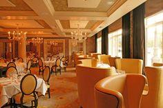 El interior de Brennan's, el lugar perfecto para su primera cita <3
