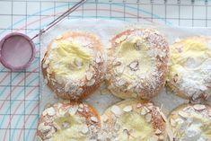 Boller med eple og vaniljekrem - Passion For baking Christmas Baking, Fudge, Doughnut, Muffin, Food And Drink, Breakfast, Desserts, Passion, Cupcakes