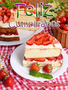 postal+gratis+de+feliz+cumpleaños+con+pastel+de+fresas
