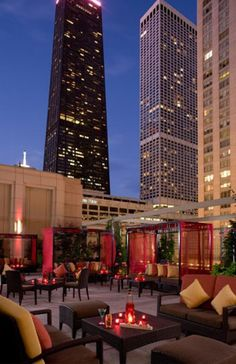 Shanghai Terrace Restaurant And Bar The Peninsula Hotel Near North Chicago What You Ll See Skysers In Downtown S Side