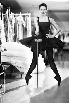 By popular demand. The Royal Ballet Principal Ballerina Tamara Rojo and soon to be Artistic Director at The English National Ballet. Ballet Real, Royal Ballet, Ballet Dancers, Ballerinas, Modern Dance, Dance Like No One Is Watching, Ballet Photography, Archery Photography, Ballet Beautiful