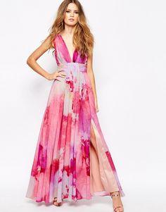 Vestidos de fiesta con flores para invitadas a una boda #looks #tendencias #moda #invitadas #bodas