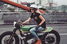 [REPOST] @miazil riding a Suzuki GSX400 built for @famo_motorcycles in Bandung. Thanks for sharing!.Photo by @varitamarezky..http://ift.tt/1Ab4GDs #motorcyclesgirls #chicasmoteras | caferacerpasion.com