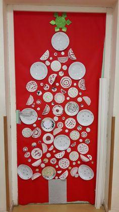 Sapin décor de porte classe maternelle Ps, Advent Calendar, Holiday Decor, Kindergarten Classroom, Fir Tree, Advent Calenders, Photo Manipulation