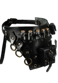 In our category Armour you can find armour made of metal and leather which are specifically designed for the necessities of a LARP event. Steampunk Accessories, Steampunk Clothing, Steampunk Fashion, Steampunk Bags, Gypsy Clothing, Renaissance Clothing, Gothic Fashion, Larp, Armadura Steampunk