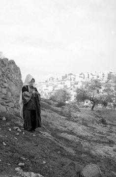 Bethlehem-بيت لحم: Women of Bethlehem 70 - (late 19th early 20th c.) 1930s
