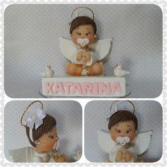 Topo bolo menino mede aproximadamente uns 8,5cm a 9cm de altura, base acrílica de 18x10    Topo bolo menina está na base de 8x14        Faço na cor desejada
