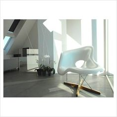 GAP Interiors - Eames chair in modern minimal living room - Picture library specialising in Interiors, Lifestyle & Homes Home Office Layouts, Home Office Design, Home Bar Furniture, Furniture Layout, Home Office Bedroom, Eames Chairs, Living Room Pictures, New Home Designs, Trendy Home