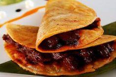 Aquí podrás saber como se prepara la receta: Tacos sudados. Lista de los ingredientes necesarios y elaboración.