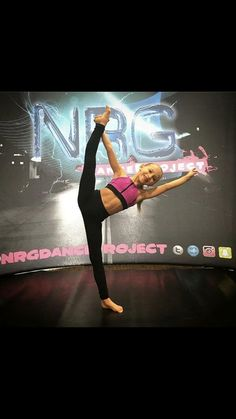 Dance Moms News, Dance Moms Season 6, Dance Moms Girls, Gymnastics Poses, Amazing Gymnastics, Dance Pics, Dance Pictures, Lilliana Ketchman, Everleigh Rose