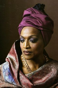 I love my Black opera legends and Jessye Norman is an icon of Black Woman style pic.twitter.com/fT2yMSuWUW