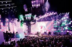 Inspired by an explosion, illuminated acrylic structures expanded out from the center of the main stage at the Much Music Video Awards in Toronto in June.