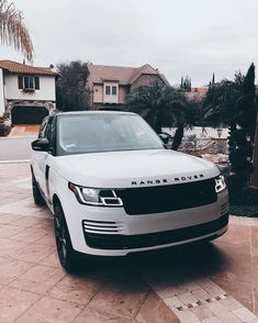 2018 Land Rover Discovery Off-Road SUV - Simanur Şimşek - 2018 Land Rover Discovery Off-Road SUV You can find Offroad and mo. Range Rover Sport, Range Rover Evoque, Range Rover White, Landrover Range Rover, Maserati, Ferrari 458, Dream Cars, My Dream Car, Land Rovers