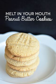 These are the best Melt In Your Mouth Peanut Butter Cookies. They are easy to make and are light, fluffy and buttery. Yum! | www.thirtyhandmadedays.com