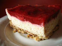 Strawberry-Quinoa Bars (Low-GI Recipe)