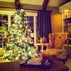Christmas Home Decor And Christmas Tree Decorating Ideas ~ Stylishly Home