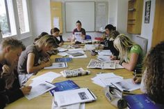 Students studying in English class. Study English in Central London, UK at the English language school - LSI Language Studies International London Central. Regular 18 & 20 hour courses and Intensive 30 hour courses available. Choose from home stays with a host family, bed and breakfast or half board and student apartment residence accommodation.