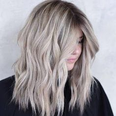 ash blonde balayage 34 Ash Blonde Hair Looks You'll Want To Try 34 Best Ash Blonde Hair Ideas Blond Ash, Cool Ash Blonde, Ash Blonde Hair Dye, Ash Hair, Blonde Hair Looks, Light Blonde Hair, Blonde Color, Ashy Blonde Balayage, Blonde Hair Lowlights