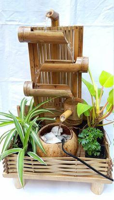 Decorative Water Fountain, Bamboo Water Fountain, Indoor Fountain, Bamboo Art, Bamboo Crafts, Diy Garden Fountains, Water Fountains, Outdoor Water Features, Bamboo Construction