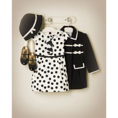 Chic dots in black & white.