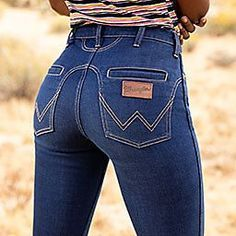 Jeans Wrangler, Wrangler Cowboy Cut, Sexy Jeans, Jeans Fit, Jeans And Boots, Skinny Jeans, Jeans Style, Stretch Jeans, Jean Outfits