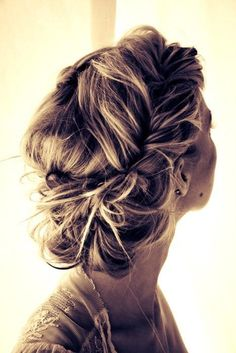 cute hair look- tried it for my wedding over 25 years ago... wasn't quite as messy as I would have liked.....