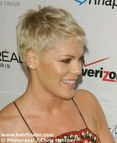 Pink Pixie Hair, Short Pixie Hair Trendy, Very Short Hairstyles for Women hair hair women Messy Short Hair, Super Short Hair, Wavy Ponytail, Short Wavy, Long Layered, Thick Hair, Funky Hairstyles, Short Hairstyles For Women, Updos Hairstyle