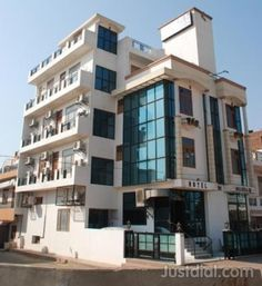 Hotel King Wing  Owner : S.N Chaddha  Area : 40000 sq.ft..