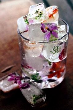 What fun! Floral ice cubes!
