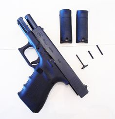Glock 19  9mm, 15rd magazine, compact